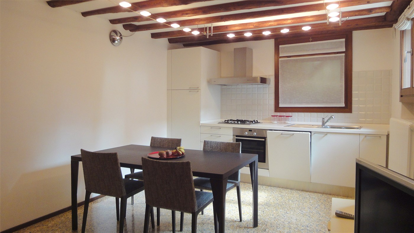 Ref. 3223 - Apartment for sale in Venice CANNAREGIO - Miracoli